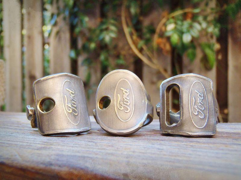 gyűrűk régi Ford autókulcsokból